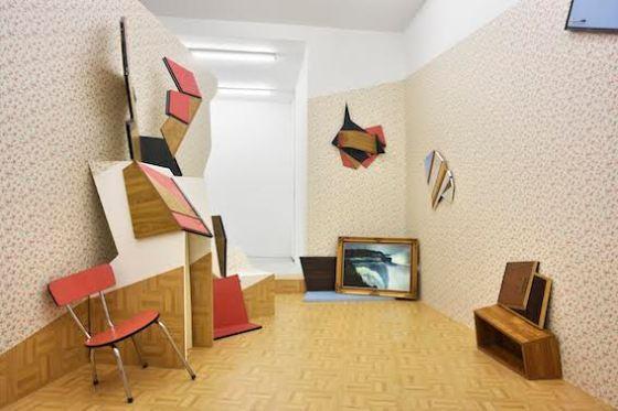 Vue de l'exposition de Cécile Chaput, Extension(s) – The Detonate(d) room at Under Construction Gallery, 2016 © Rebecca Fanuele